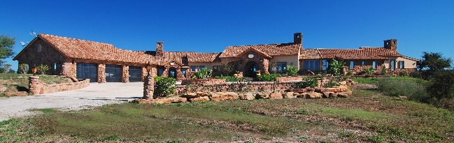 UltimateRanches.com Vanessa Andrews Sorrel Canyon Ranch Finest horse ranch For Sale