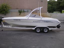 2004 STINGRAY 230 LX.